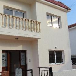 3 Bedroom Semi Detached House Polemidia