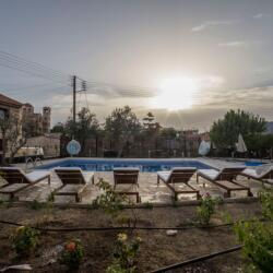 Meleni Cottage Houses Pool