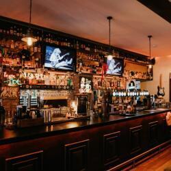 Moondogs Bar Grill 103704441