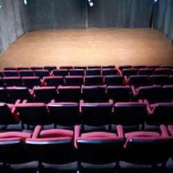 Theatre Apothikes Thoc
