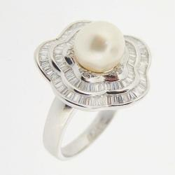 White Gold With Pearl Ring