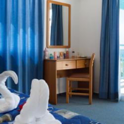 Sunny Hill Hotel One Bedroom Apartment