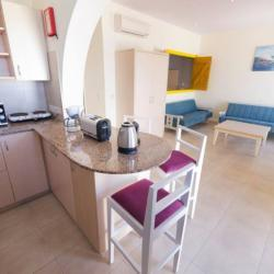 Myroandrou Beach Apartments Rooms